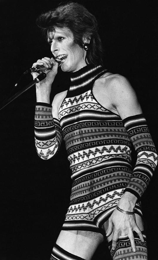 Bowie prý nejen v módě převracel zažité hodnoty.
