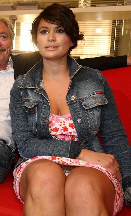 Jitka Čvančarová ukázala před čtyřmi lety nechtěně kalhotky.
