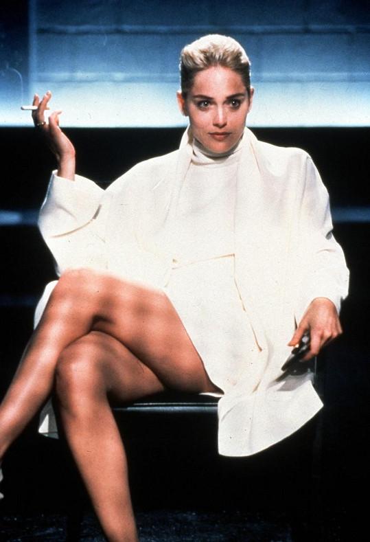 Sharon Stone zalitovala, že neviděla svou nejslavnější scénu ze Základního instinktu před uvedením filmu.