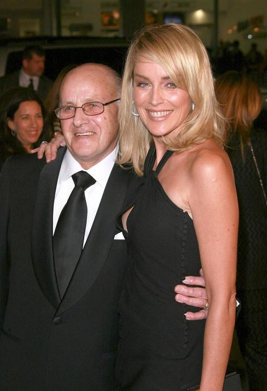 Otec Joe své děti surově bil, herečka na něj ale nikdy nezanevřela.