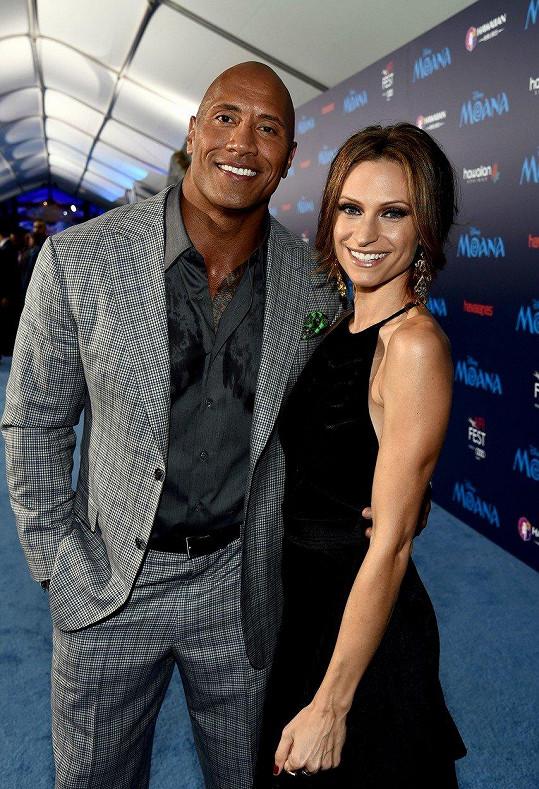 Dwayne Johnson se oženil s Lauren Hashian.