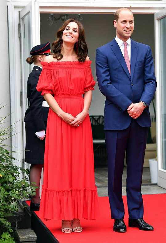 Kate a William dodatečně oslavili narozeniny Alžběty II..