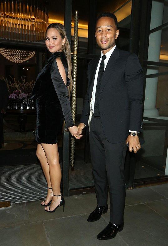John Legend s manželkou Chrissy Teigen