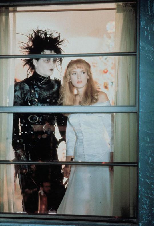 Ryder se svým někdejším snoubencem Johnnym Deppem ve Střihorukém Edwardovi.