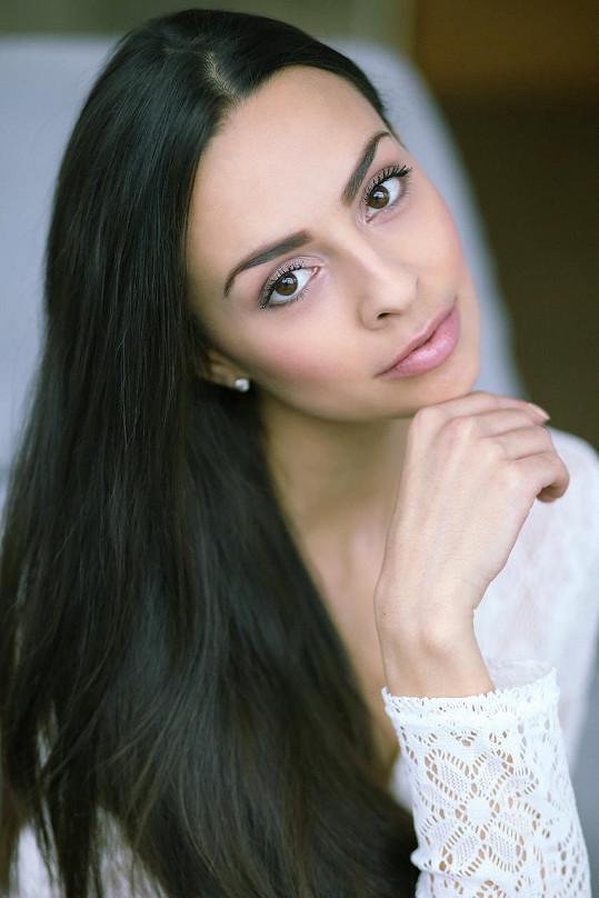 Loni byla Mirka finalistkou České Miss.