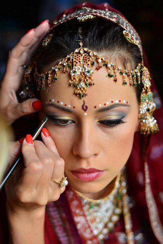 Také na make-up dohlížela místní specialistka na svatby.