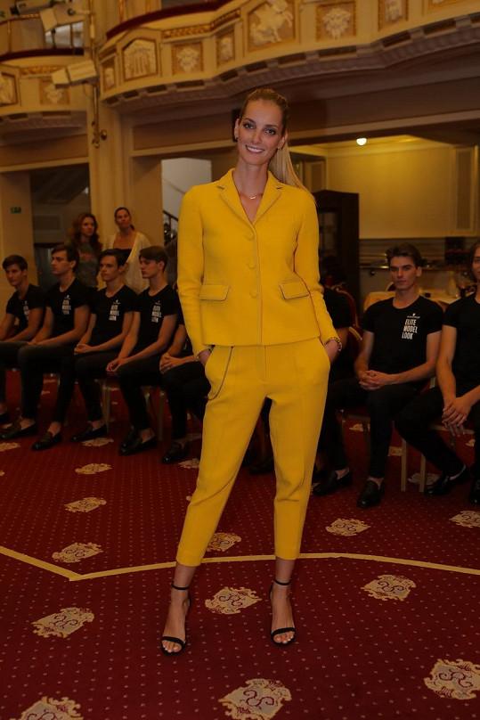 Denisa Dvořáková na soustředění finalistů soutěže Schwarzkopf Elite Model Look.