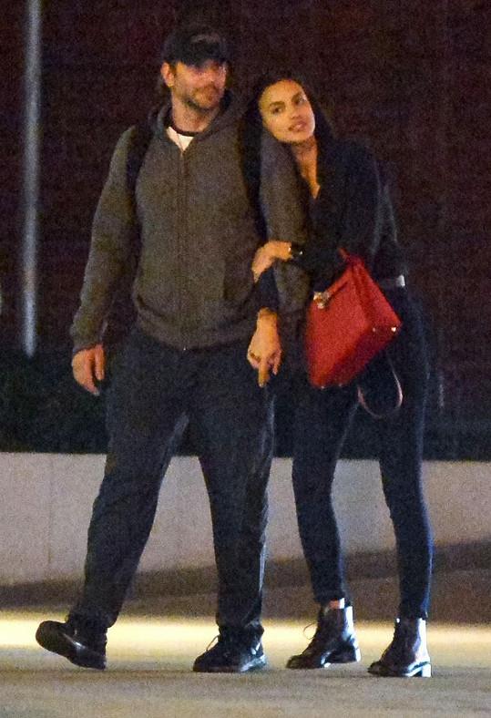 Bradley Cooper randí s Irinou Shayk.