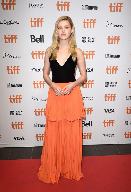 Nicola Peltz je nyní nejen herečkou, ale i režisérkou.