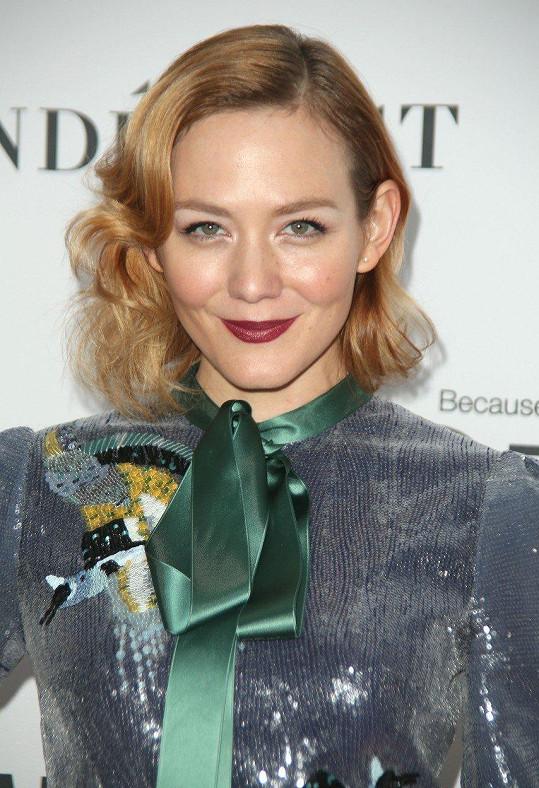Americká herečka Louisa Krause (31)