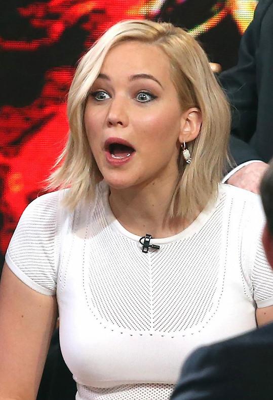 Jennifer Lawrence je bohatší o 46 miliónů dolarů.