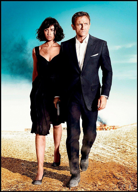 Olgy Kurylenko s Danielem Craigem v bondovce Quantum od Solace (2008)