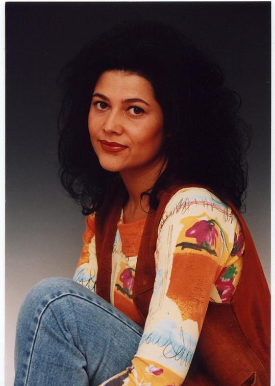 V roce 1993 vydala své debutové sólové album Kosmopolis a stala se Objevem roku v hudebních cenách Gramy.