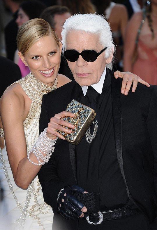 Spolupracovala s předními módními návrháři, jedním z nich byl i Karl Lagerfeld.
