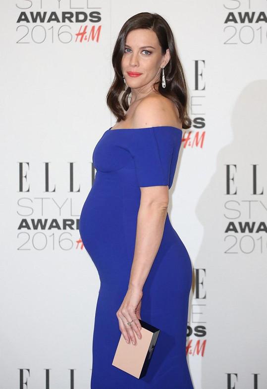 Herečka bude trojnásobnou maminkou.