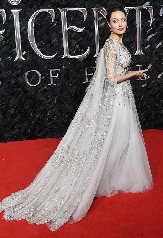 Angelina Jolie před lety preventivně podstoupila mastektomii.