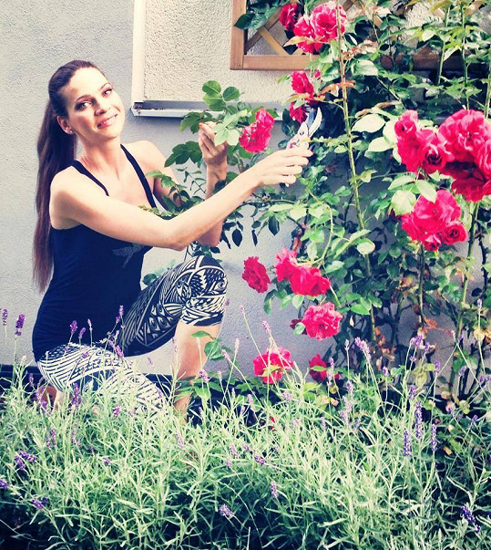 Andrea Verešová se pochlubila krásnou zahrádkou.