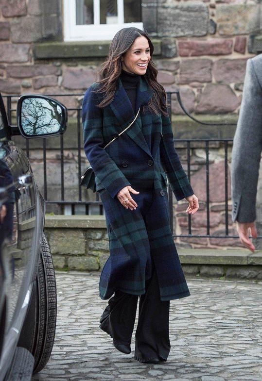Meghan oblékla kabát za 60 tisíc korun.