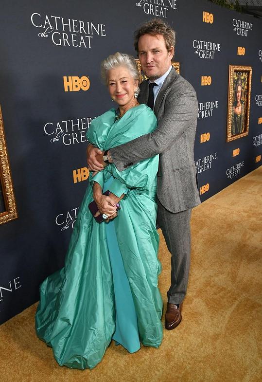 Helen Mirren a Jason Clarke ztvárnili Kateřinu Velikou a Grigorije Potěmkina.