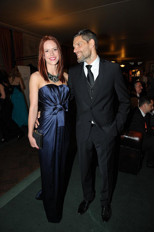 Andrea Kerestešová s přítelem na zahajovací párty filmového festivalu v Karlových Varech.