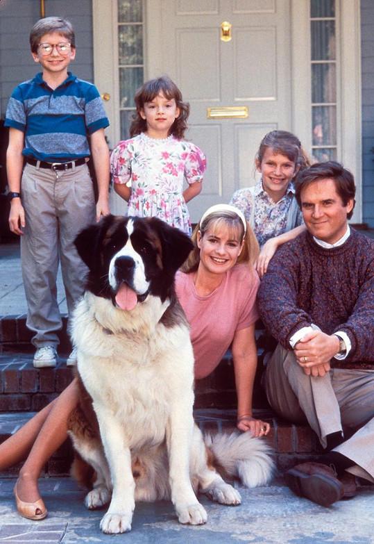 Proslavila se jako maminka Alice v rodinné komedii Beethoven (1992).