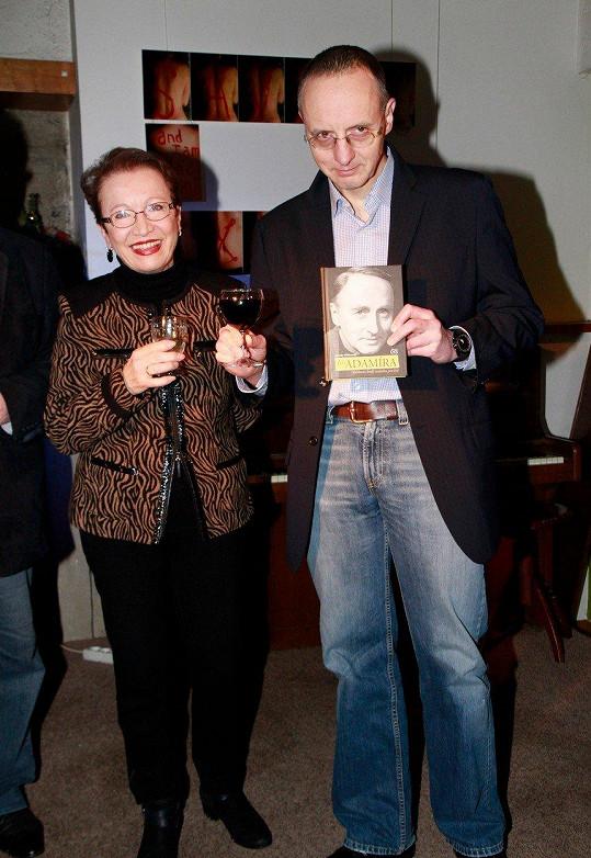 Hana Maciuchová s Markem, synem Jiřího Adamíry v roce 2013
