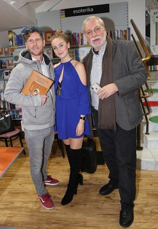 Anna Kadeřávková pokřtila novou knihu Zdeňka Zelenky Kouzelník Žito a ve stejnojmenné pohádce si také zahrála hlavní roli princezny.