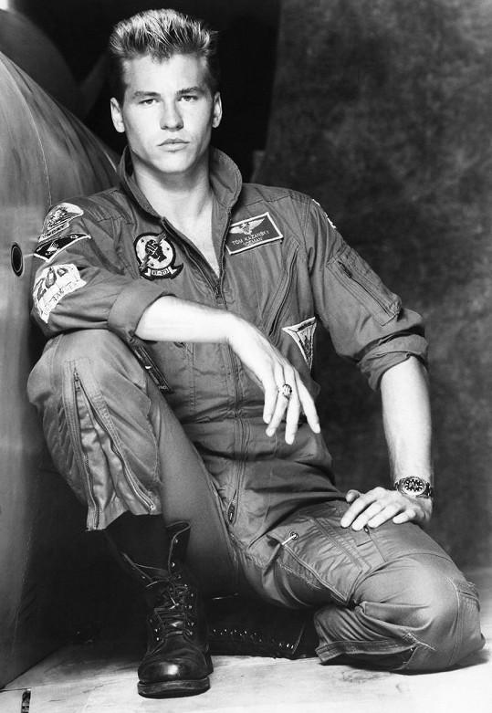 Kilmer v trháku Top Gun, kde zářil vedle Toma Cruise.