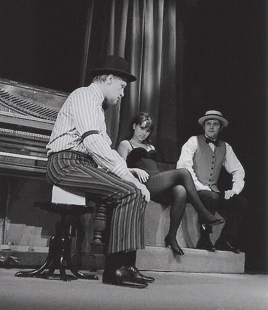 V divadle Semafor v roce 1969.