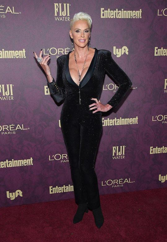 Brigitte Nielsen si vychutnala pozornost na večírku k nadcházejícímu předávání cen Emmy.