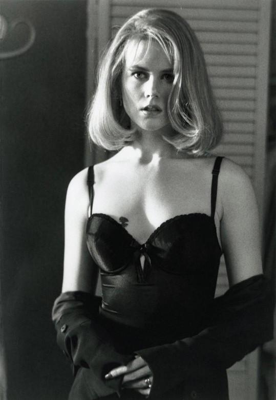 Nicole v thrilleru Zemřít pro (1995).