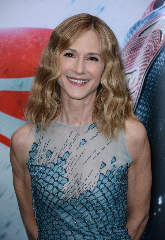 Holly Hunter na premiéře filmu Batman v Superman: Úsvit spravedlnosti