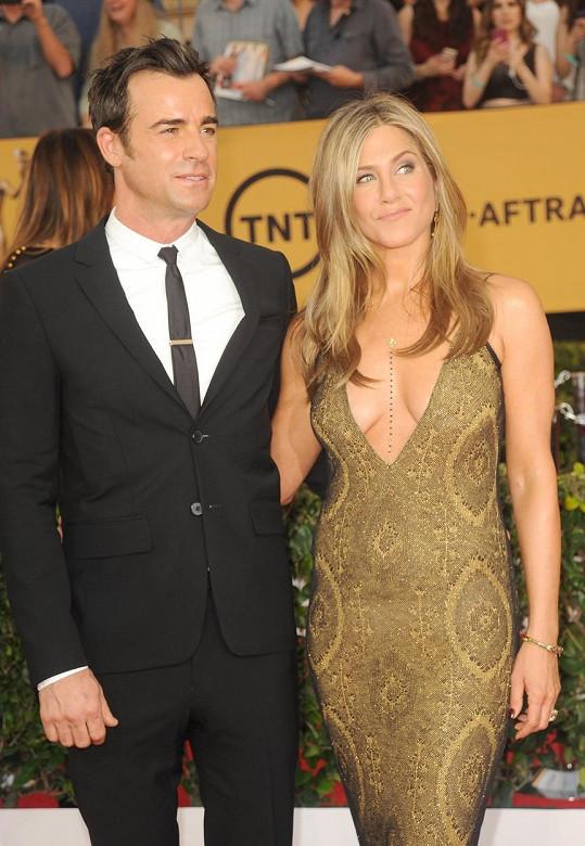 Společnost jí nedělal nikdo jiný než snoubenec Justin Theroux.