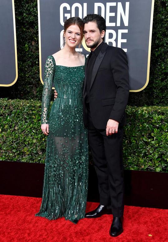 Kit Harington nesnese pohled na libací scény manželky Rose Leslie. Sám si neužívá, když má líbat jinou.