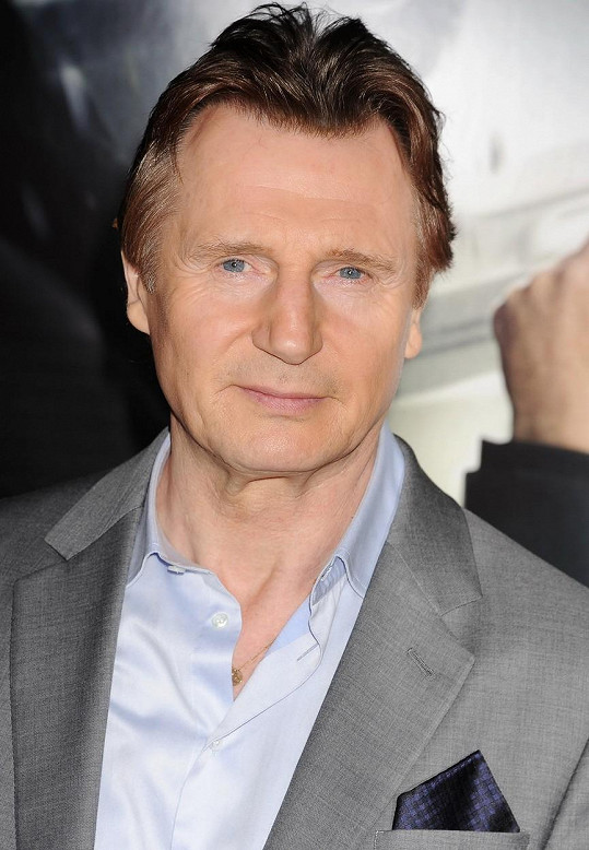 Liam Neeson zůstal po smrti manželky sám se dvěma syny.
