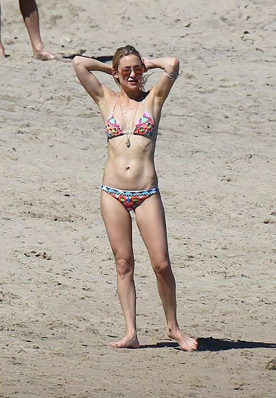 Kate Hudson se před exmanželem kolegyně Gwyneth Paltrow rozhodně nestyděla.