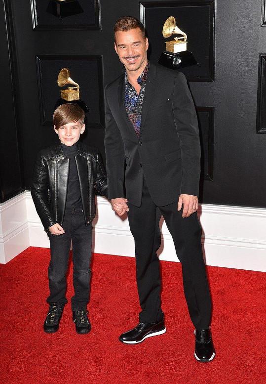 Ricky Martin se pochlubil synem Matteem.