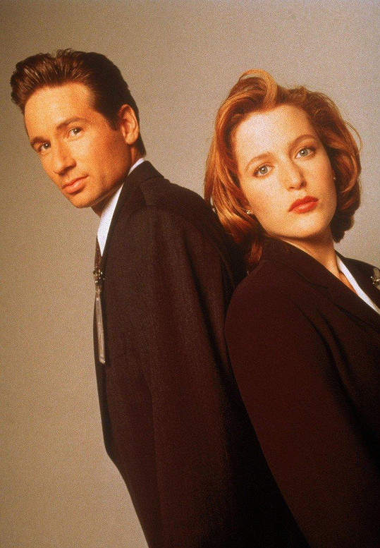 David Duchovny a Gillian Anderson v seriálu Akta X (1993)
