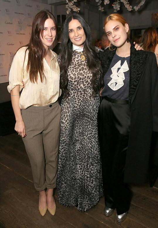 Tallulah s matkou Demi a sestrou Scout (vlevo)