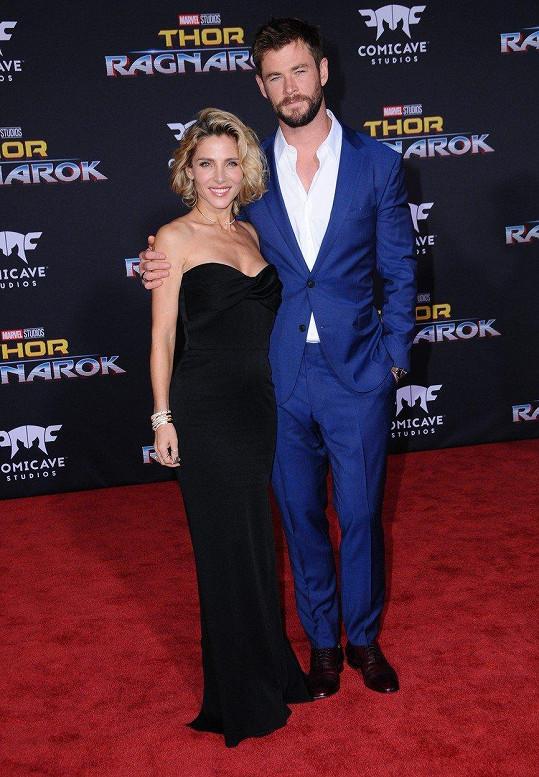S manželkou Elsou Pataky tvoří jeden z nejhezčích hereckých párů. Vzali se v roce 2010, ani ne po roce randění.