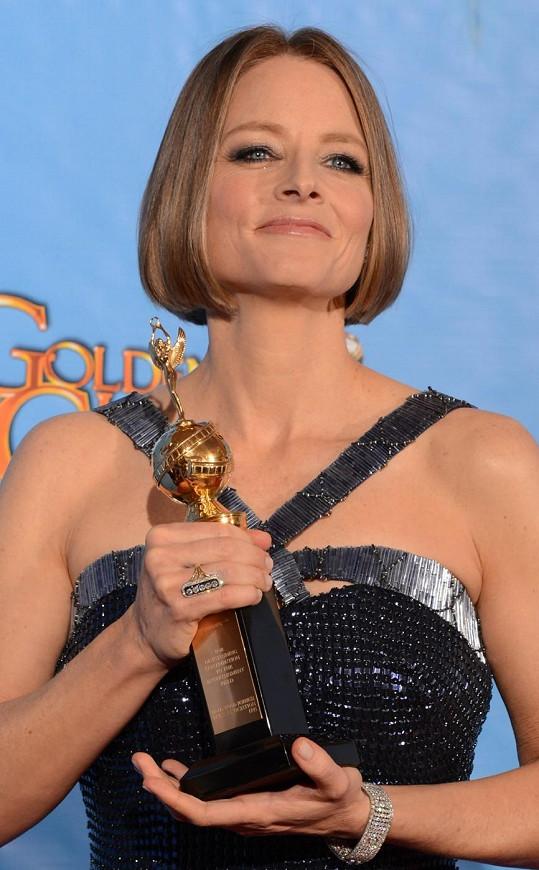 Pyšná Jodie Foster se svou cenou.