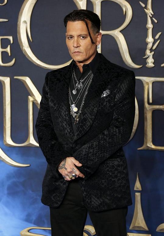 Johnny Depp se v 15 vykašlal na školu kvůli kariéře rockové hvězdy.