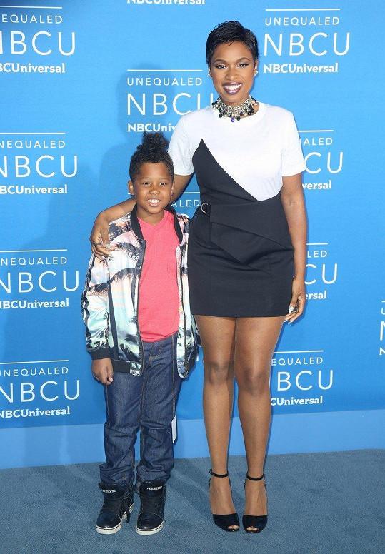 Jennifer s osmiletým synem Davidem Danielem.