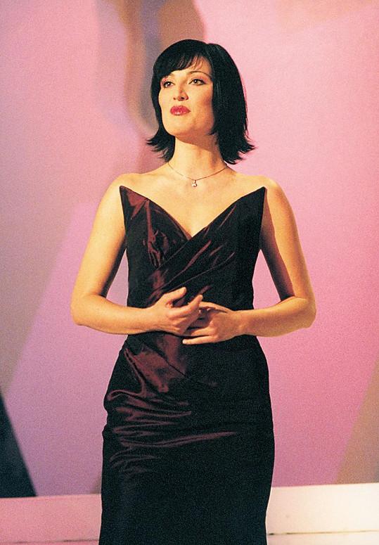 Takhle štíhlá byla Ivana v roce 2000
