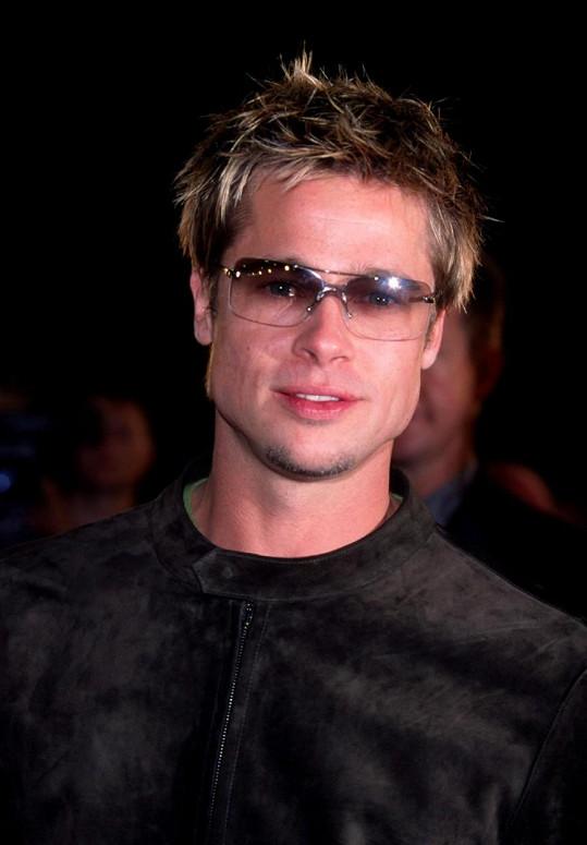 Brad Pitt v roce 2001