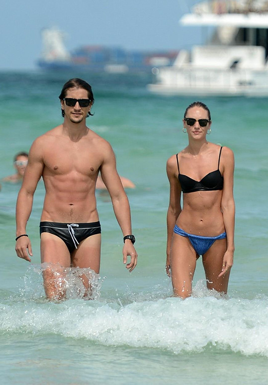 Candice Swanepoel a Hermann Nicoli