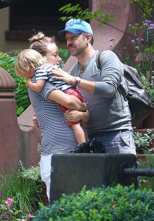 Herečka má se snoubence Jasonem Sudeikisem ještě dvouletého syna Otise Alexandera.