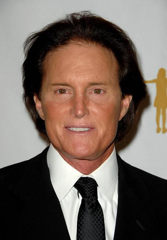 Bruce Jenner v době, kdy ještě netoužil po ženské identitě.
