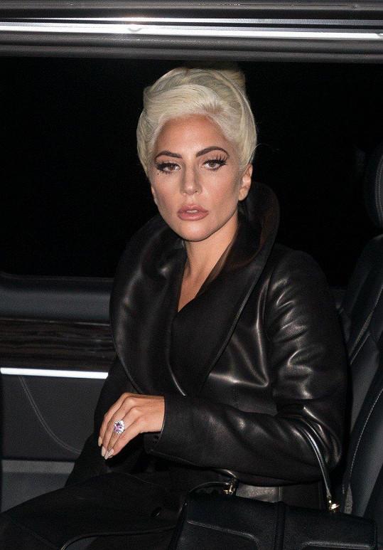 Lady Gaga prožila radost i smutek v jeden večer.