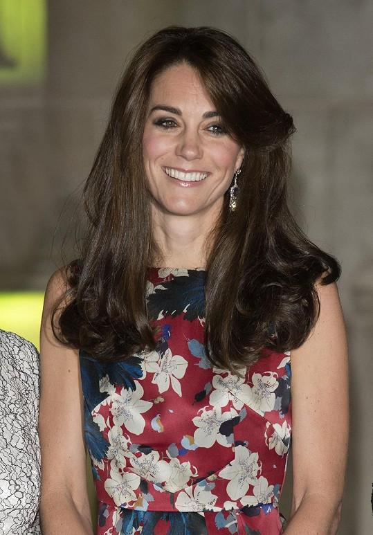 Kate se ozdobila vzácnými náušnicemi.
